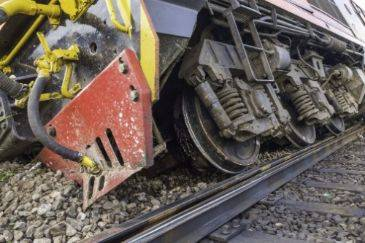 The Dangers of Cars Being Struck by Commuter Trains